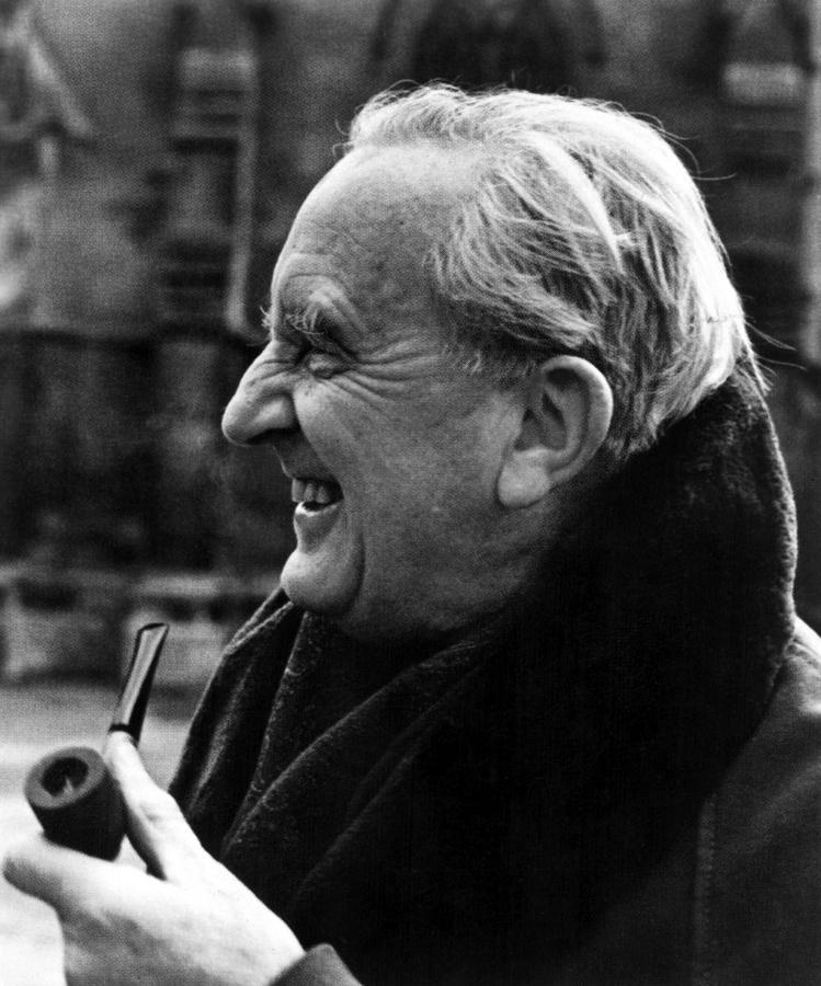 jrr-tolkien  J.r.r Tolkien